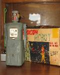 Free Appraisals ~ Space Toy Museum World's Largest Buyer Vintage Japanese Space Toys Paying 40%-70% More than Ebay, Antique Dealers and Auction Houses, Buying antique vintage japanese space toys, japanese tin cars, all battery operated tin toy made in Japan